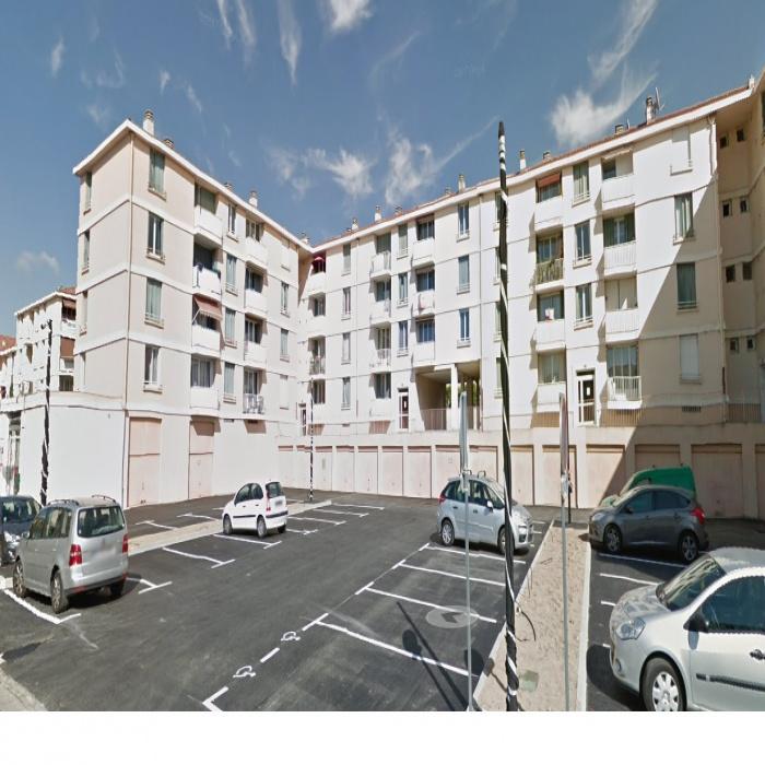 Vente garages marseille dans tous les arrondissements for Self garage marseille